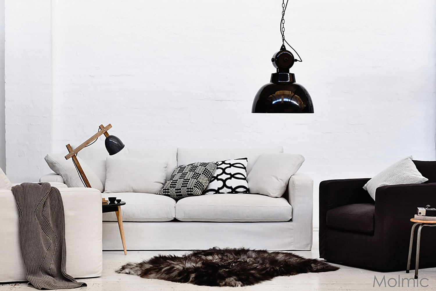 Steele Avenue Relaxed/Loose Cover sofa in Molmic's Urban Snow linen fabric.
