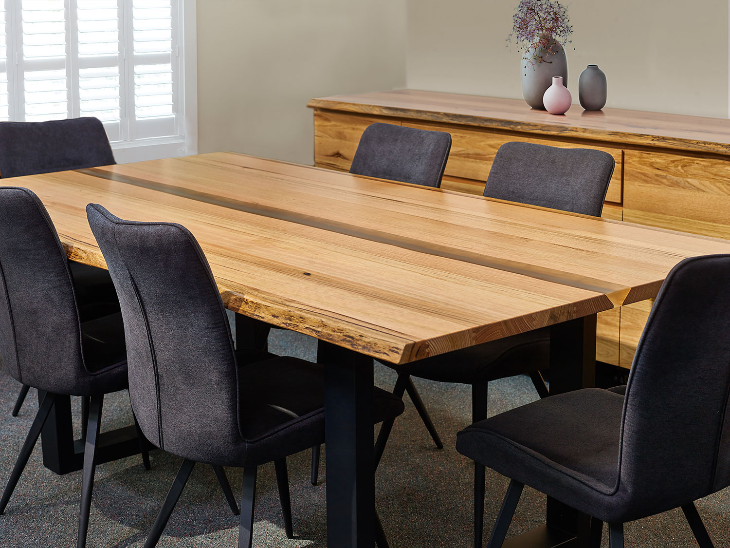 The Messmate Resin River dining table